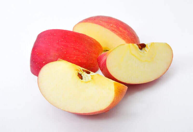 りんごの皮や種はどうしたらいい?